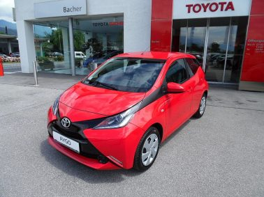 Toyota Aygo 1,0 VVT-i x-play x-touch bei Auto Bacher GmbH in
